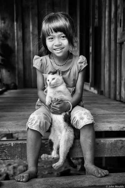 face of vietnam - Girl and her cat in Huc Nghi Village, A Luoi