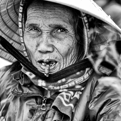 face of vietnam - I smoke, dont you? A Luoi Market