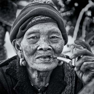 face of vietnam - Lady in Nham Village, A Luoi