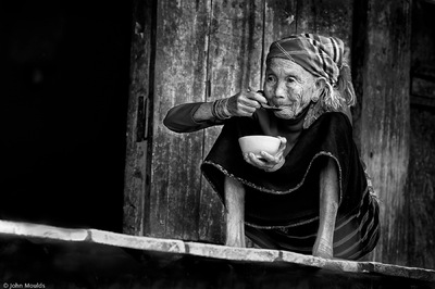 face of vietnam - Lunch Old lady in Lu Village, Bin Lu, Lai Chau