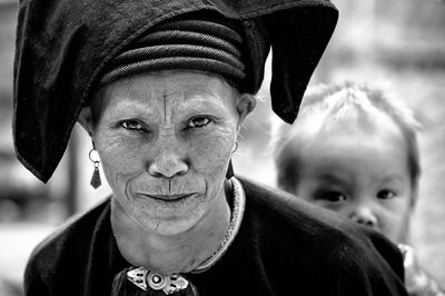 face of vietnam - Dao Dau Bang ethnic lady at roadside market, Giang Ma, Lai Chau
