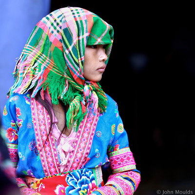 face of vietnam - White Hmong girl in Sin Ho Market, Lai Chau