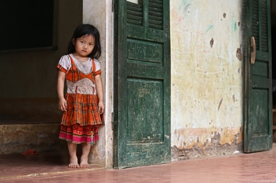 face of vietnam - Girl in Can Ty School, Quan Ba District