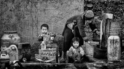 face of vietnam - Washday Akha Pixor family in Phong Sa Ly