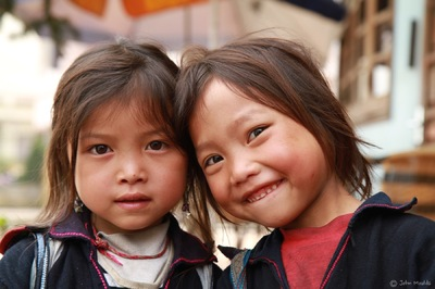 face of vietnam - HMong girls, Sapa