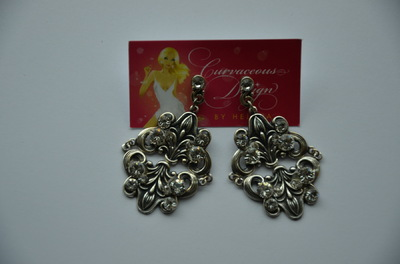 Curvaceous Design Portfolio - Fleur Swarovski earrings
